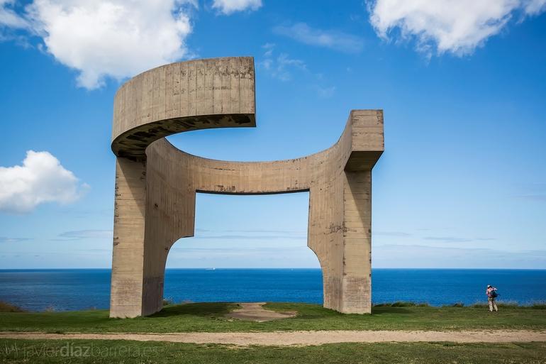 Elogio del Horizonte (escultura)