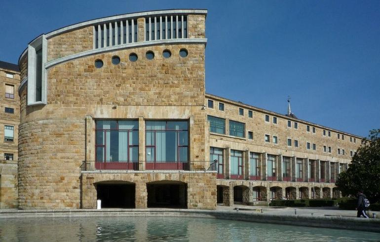 Paraninfo de la Universidad Laboral de Gijón