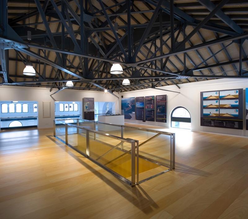 Centro de recepción de visitantes del Puerto de Gijón