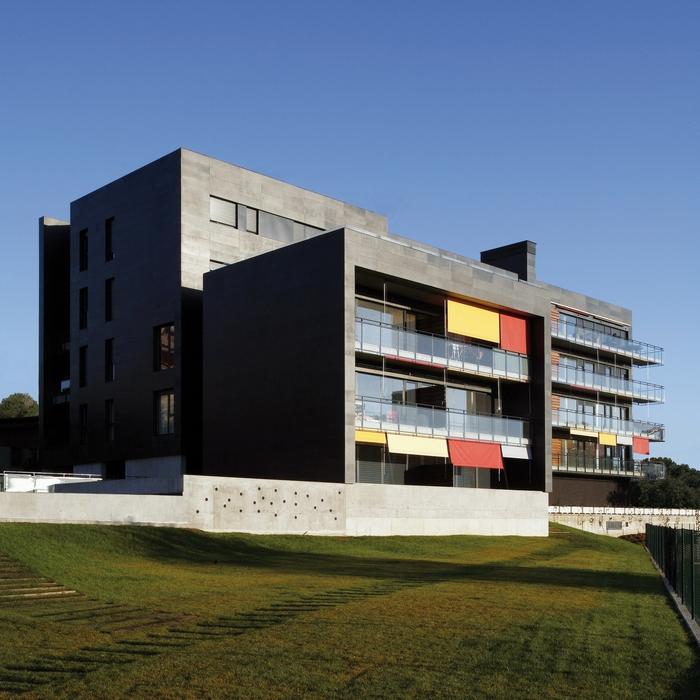 Edificio para 30 viviendas en Viesques